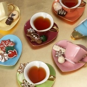 I would love a set like this to use..  Every time I have tea.. it would be wonderful!
