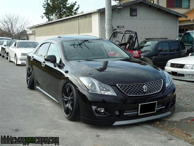 Elegant Superbe Toyota Crown Athlete