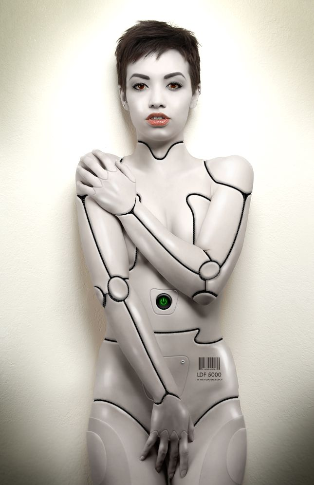 robots and nude girls
