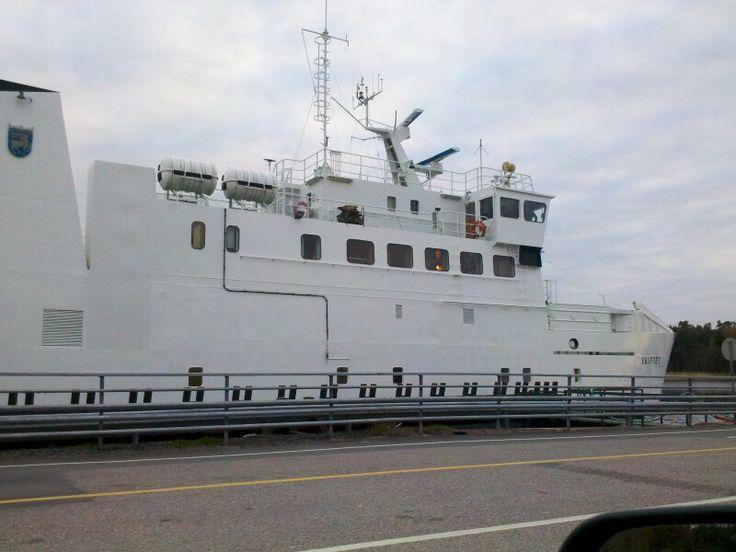 M/S Skiftet Eteläinen linja Korppoosta Ahvenanmaalle: http://www.alandstrafiken.ax/sv/karta