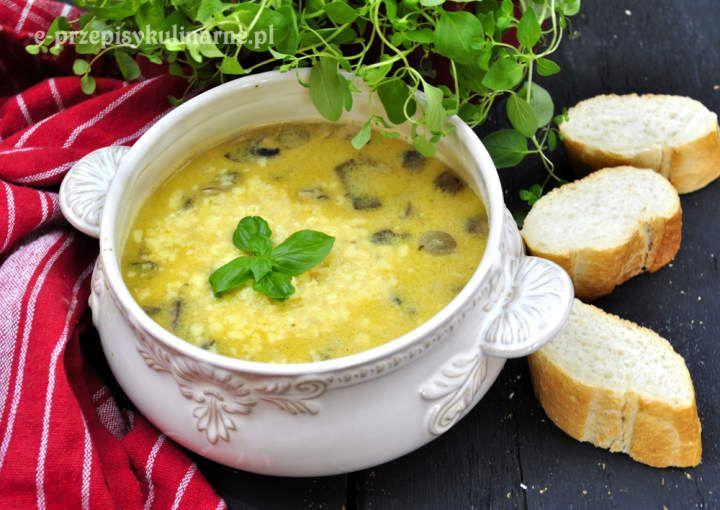 Zupa z mięsem mielonym i pieczarkami
