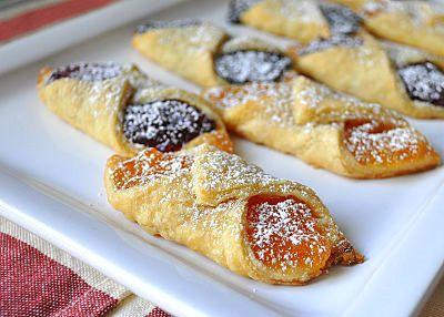 Going to make these traditional Polish Christmas Cookies this year! | My Grandmother's Kolackzki (Kolacky) | @Lemons and Lavender