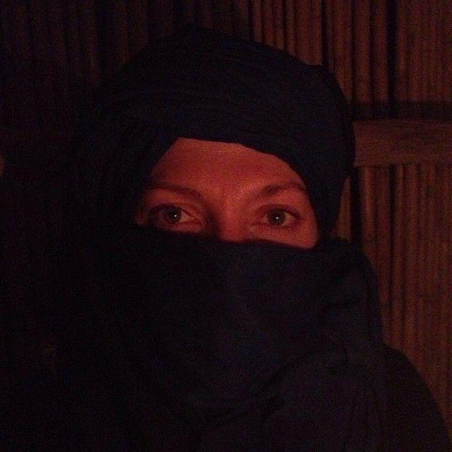 Nel #deserto, dentro le tende, si narrano antiche leggende #Marocco