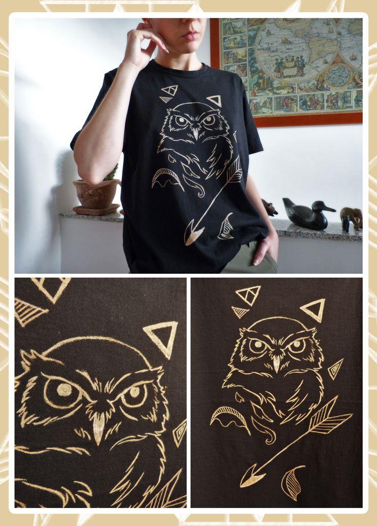 I'm selling this bleach drawed t-shirt! Size L (width +/- 52cm) Price 20€. Vendo questa t-shirt disegnata a mano con la candeggina. Taglia L (larghezza +/- 52cm). Pezzo unico. Prezzo 20€