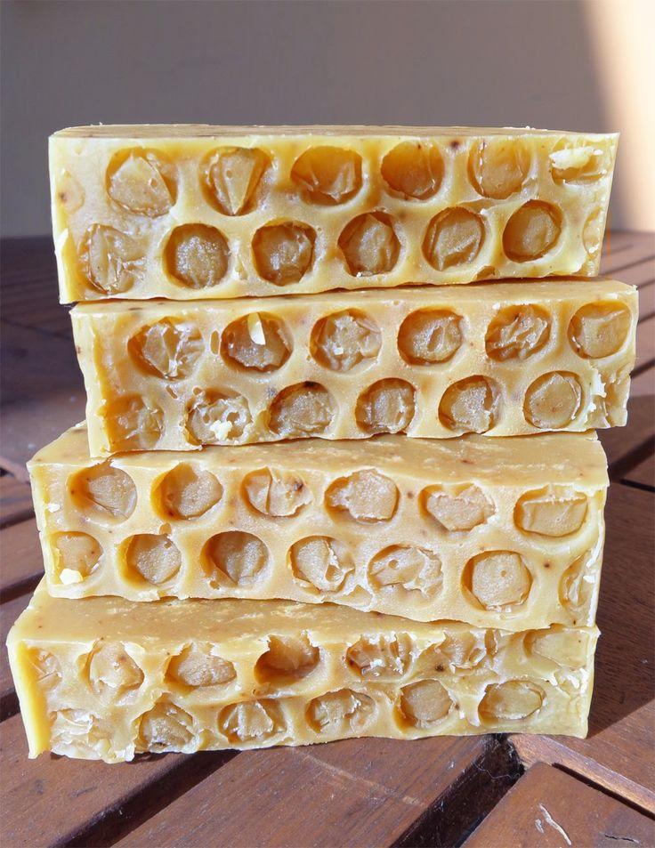 Természetesen habos szappan: Kecsketejes-mézes - propoliszos szappan