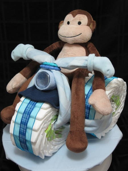 Diaper cake - Monkey on a Motorcycle: Gifts Ideas, Baby Shower Ideas, Diaper Cakes, Baby Shower Gifts, Monkey Diapers Cakes, Boys Shower, Baby Boy, Een Gezellige, Baby Shower