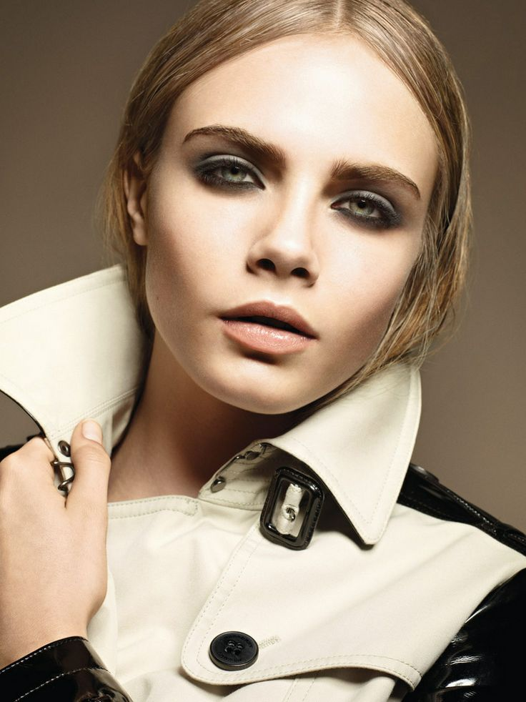 Cara Delevigne for Burberry Fall 2012  http://modetteblog.comArtists, Brows, Fashion Blogs, Delevingne Face, Lips, Subtle Smokey Eye, Winter Storms, Burberry Beautiful, Hair