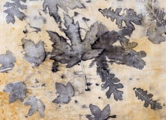 Tessuti antichi e stampe naturali. Ossia, recuperare per riutilizzare, contro la filosofia dell''usa e getta' #Tessuti #antichi e #stampenaturali #ecoprint #ecoprinting #workshop #colorinaturali
