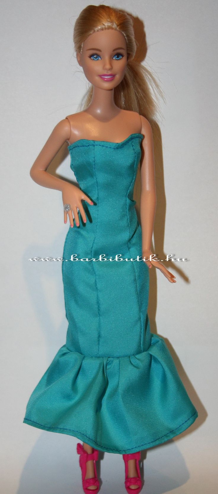 Türkiz barbie estélyi. / Barbie evening dress.