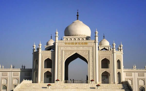 65 Beautiful Mosques Around The World-Hui Mosque in Ningxia (Ningxia, China) (Image Credit: Islamic Arts and Architecture)