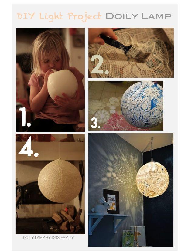 Lámpara con globo y mantelitos de ganchillo