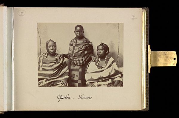 Women from Kilwa, 1893, Edouard Foà. Albumen print in Views of Africa: Zanzibar et Côte-Quiloa-Dar es Salam-Tanga-Somalis, plate 2. Mount: 9 x 11 1/8 in. The Getty Research Institute, 93.R.114.1.1