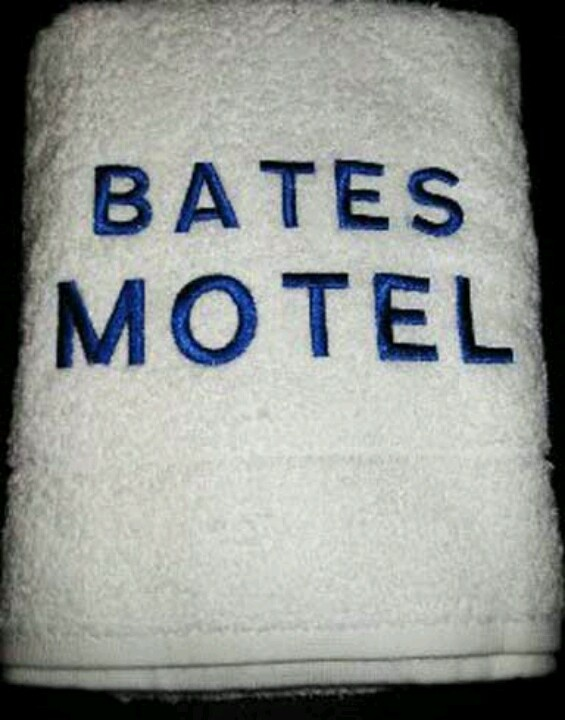 Cortinas De Baño Halloween:Bates Motel Towels Bathroom