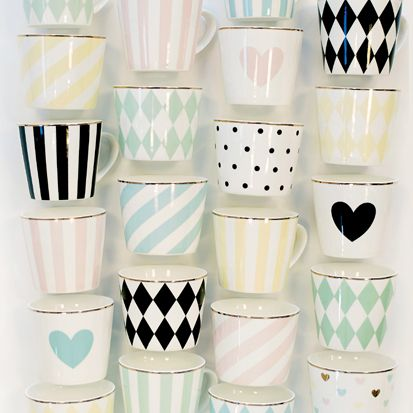 des jolies tasses - même si j'en ai déjà plein :-)