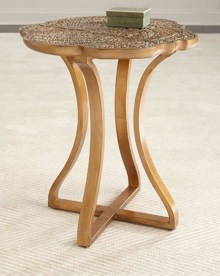Bois round side table hooker furniture cynthia rowley for Round table 85 ortenau