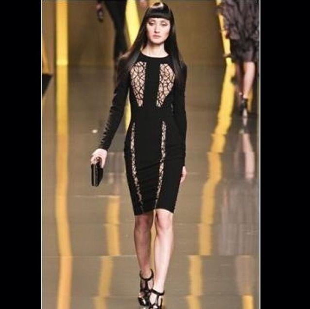 Элегантное платье с интригующими вставками телесного цвета Elie Saab
