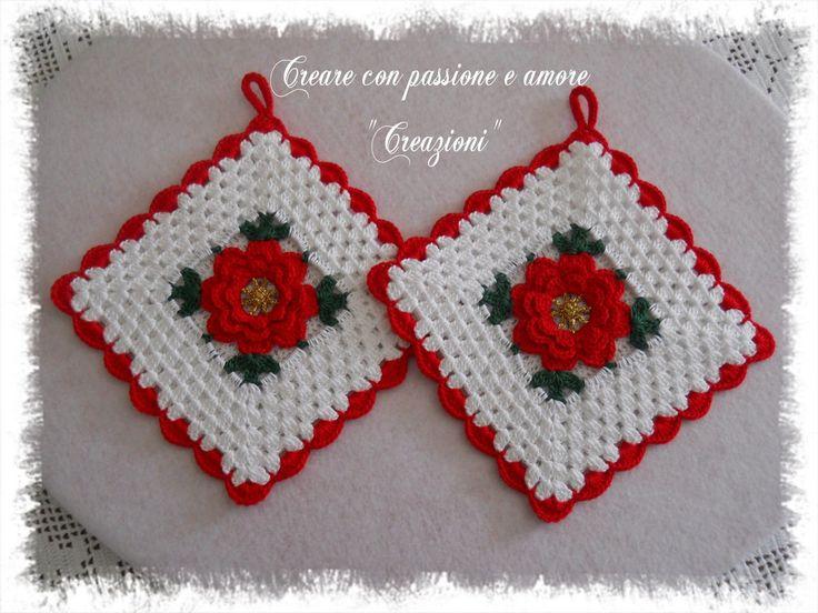 Presine fiore ad uncinetto by https://www.facebook.com/CreareconpassioneeamoreCreazioni/ #crochet #handmade #christmas #potholder #lemaddine