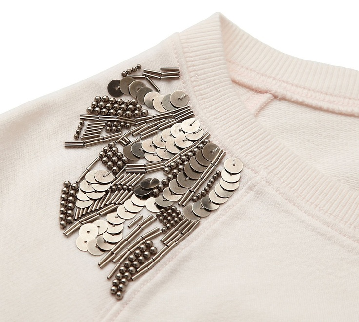 DIY idea: Embellished Shoulder Sweatshirt - Witchery