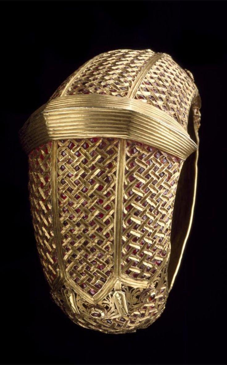 Indonesia   Bracelet; gold and rubies   Late 19th - early 20th century   Minangkabau people, West Sumatra    {GPA}