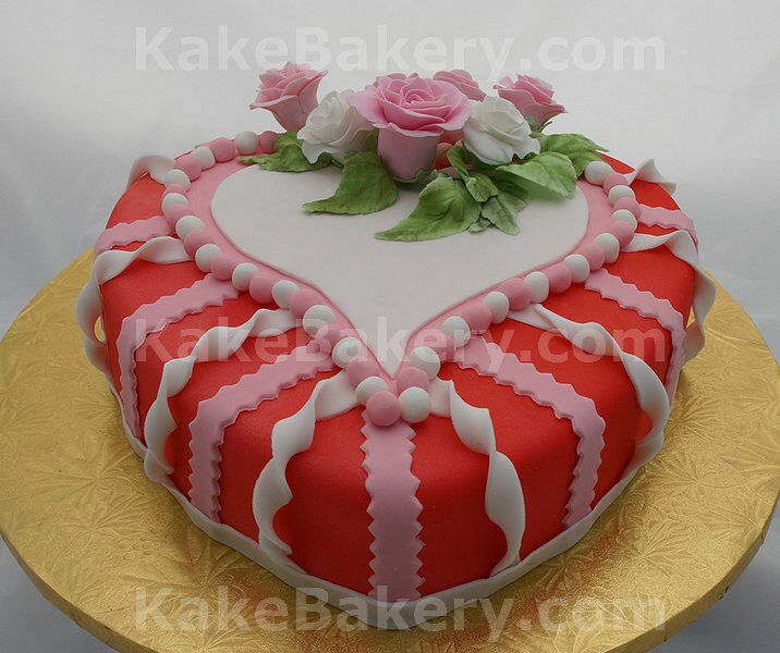 cake on valentine's day