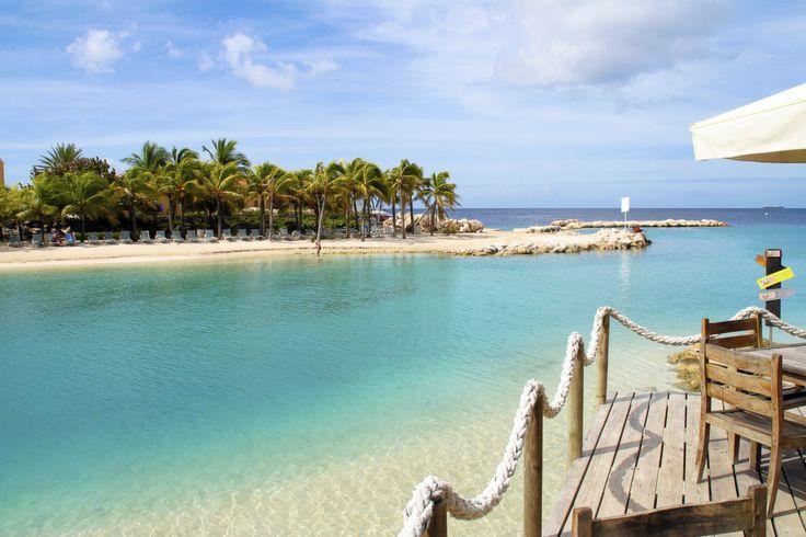 Met wie zou u hier willen zitten? #MamboBeach #Curaçao