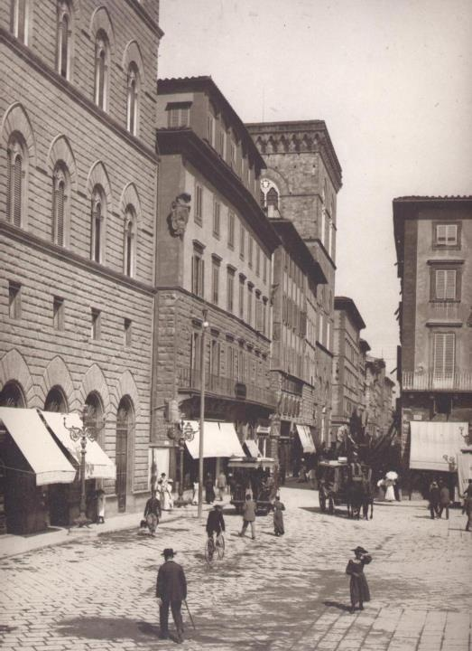 1890: Piazza della Signoria at the Via Calzaiuoli corner #Florence