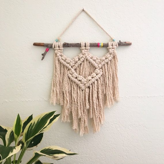 Etsy の Macrame Wall Hanging by LetsMakeCoolStuff