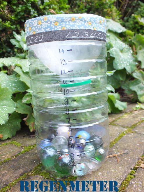 Maak je eigen regenmeter. Simpel & leuk. Check www.hetkleineavontuur.nl voor uitleg.