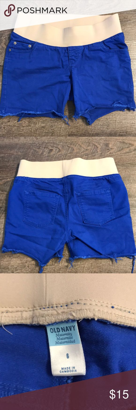 """Maternity Shorts in Cobalt Blue Size 6 Maternity Shorts in Cobalt Blue Size 6 Super cute shorts, perfect for that summer pregnancy.  I wore these everywhere this summer.  5"""" inseam, 3"""" band and  the material has stretch to it as well. Old Navy Shorts"""