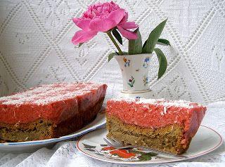 W Mojej Kuchni Lubię.. : z musem truskawkowym ucierane ciasto cappuccino......