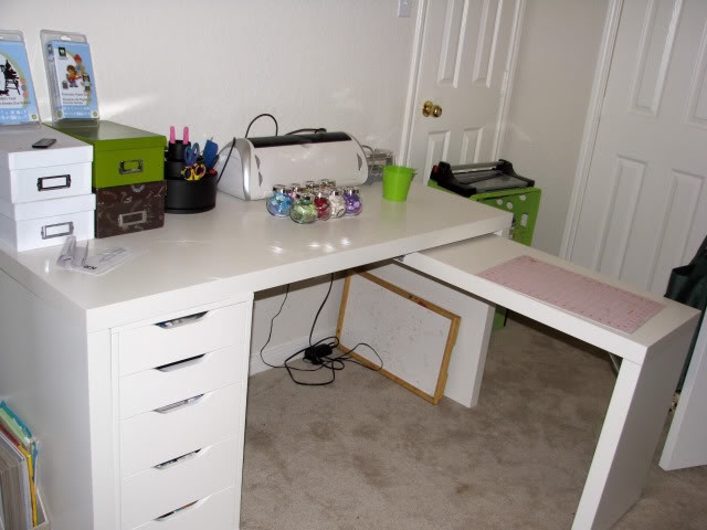 ikea 39 s jonas desk at work in this case the alex drawers were adapted to fit and look just. Black Bedroom Furniture Sets. Home Design Ideas