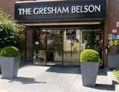 Gresham Belson Hotel Brussels  Description: Het Gresham Belson Brussels ligt tussen het vliegveld en het stadscentrum in. Het biedt dagelijks een gratis pendelbusservice van en naar het vliegveld en naar lokale bedrijven (Zaventem Diegem St-Stevens Woluwe Haren Brucargo Evere).Of u nu voor zaken of vakantie komt: Hotel Gresham Belson heeft een ideale ligging en er zijn goede vervoersverbindingen naar Brussel en de omliggende gebieden. De gratis pendelbus rijdt dagelijks tussen 6:00 en 10:00…