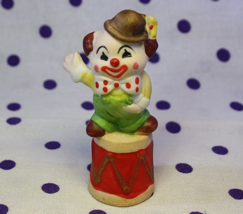 Vintage Thimble CLOWN Smiling Waving Porcelain Polka Dot Bow Circus Figurine