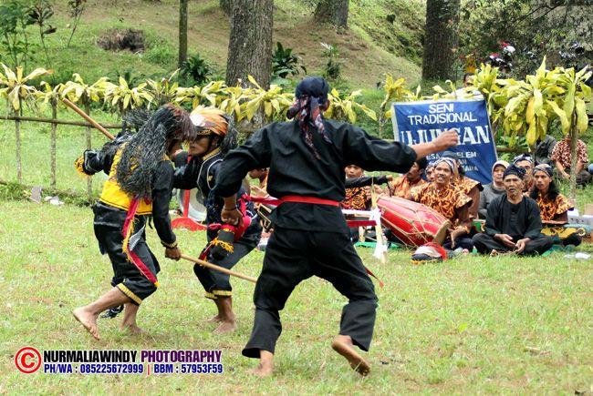 Nurmalia Windy - Fotografer Purwokerto | Windygraphy | Fotografer Wedding | Fotografer Prewedding: Seni Tradisional Ujungan, Seni Tradisi Saling Puku...
