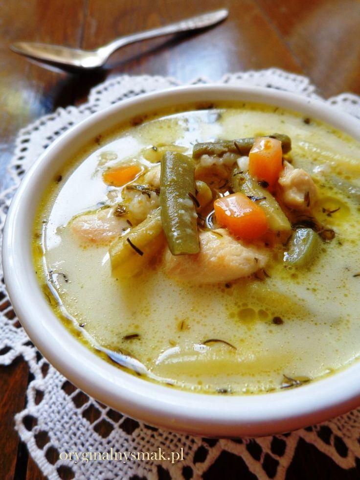 Zupa z fasolką szparagową, kurczakiem i kaszą orkiszową