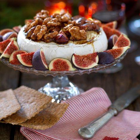 Brieost med fikon och valnötter