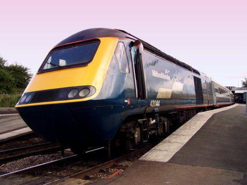 Class 43044 HST at Wellingborough. #britishtrains #englishtrains #trains #railways #britainsrailways #ukrailways #uktrains #intercity125 #highspeedtrains #passengertrains #trainsonpinterest #railwaysonpinterest #britishrail #travel #transport