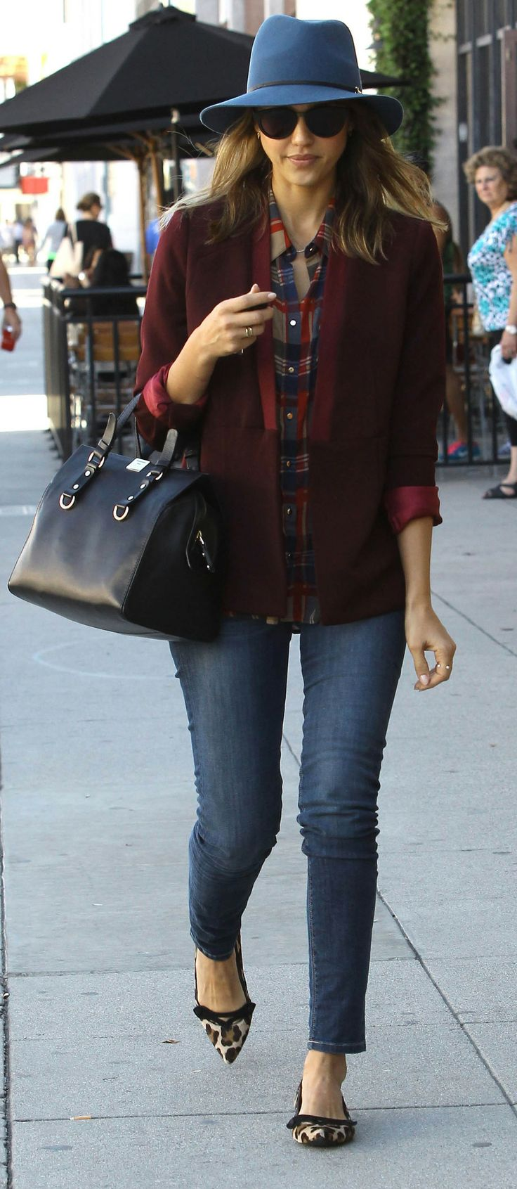 Jessica Alba in a pretty perfect Winter hat (and leopard flats!)