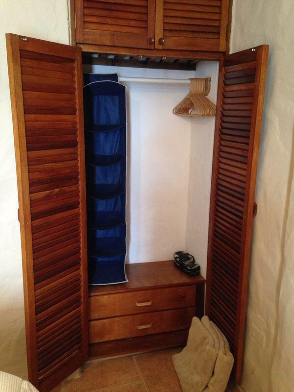 Closet para poner puertas corredizas y modificar ideas for Ideas de puertas corredizas