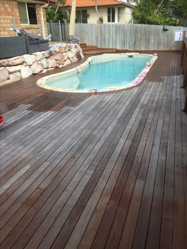 Oiling a timber deck in Springfield Brisbane