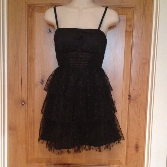 Polka dot/ cocktail- ladies night out dress Black polka dot, super flirty dress. Can be worn with straps or without. Dresses