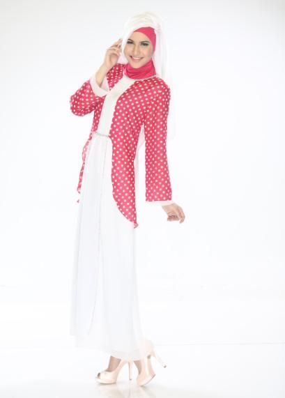 Gamis Exclusive kombinasi polka dipadukan dengan warna yang cantik dan Indah.