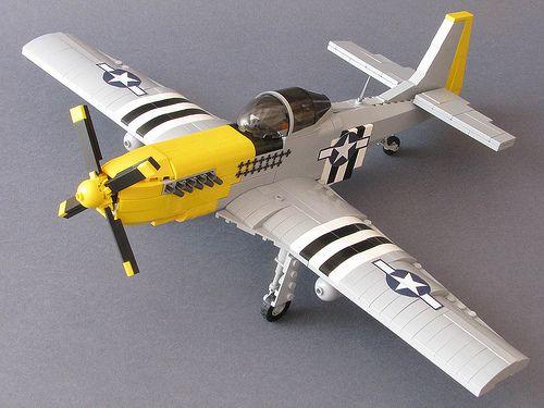 Precioso avión P-51D Mustang de la Segunda Guerra Mundial, y con Lego, claro :)