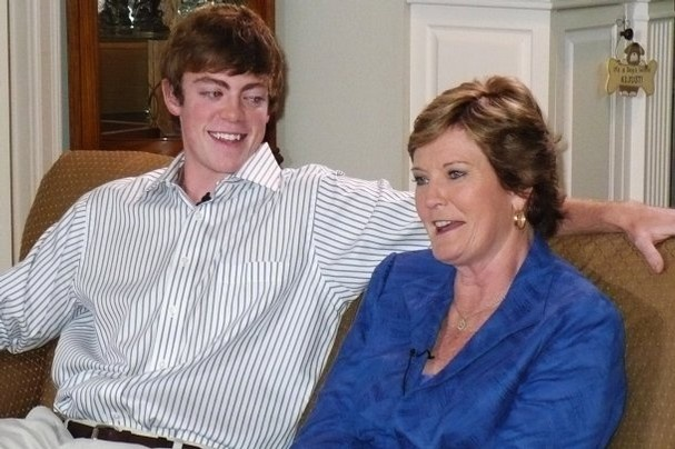 I love this pic of Lady Vols coach, Pat Summitt and her son, Tyler, he's a cutie.