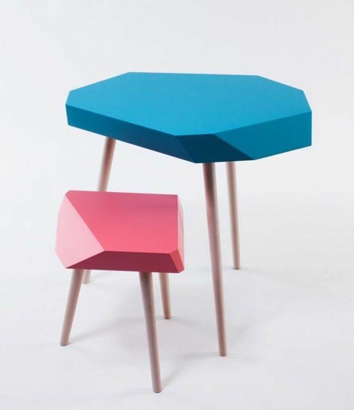 petite table d'appoint plateau bleu et rose, meubles d'appoint pas cher