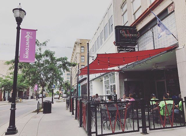 Big Whiskey's new patio set up is the perfect spot for appetizers and drinks with friends. Residents also receive 10% off with the VIP Card 😋