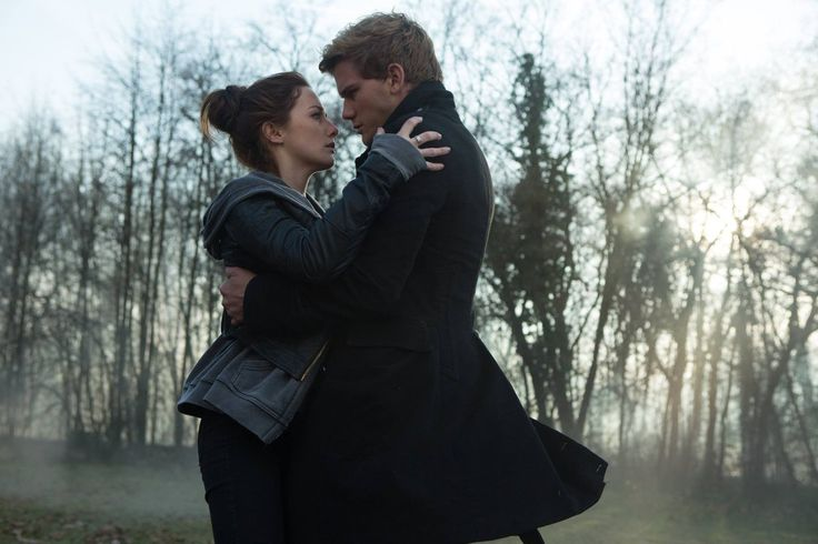 FALLEN MOVIE STILL / Luce Price / Daniel Grigori / Addison Timlin / Jeremy Irvine