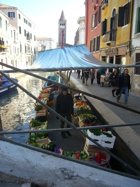 The fruit and vegetable boat in Campo San Barnaba