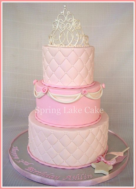 I love the crown on this one, but Delilah's cake needs to have Gold on it somewhere...