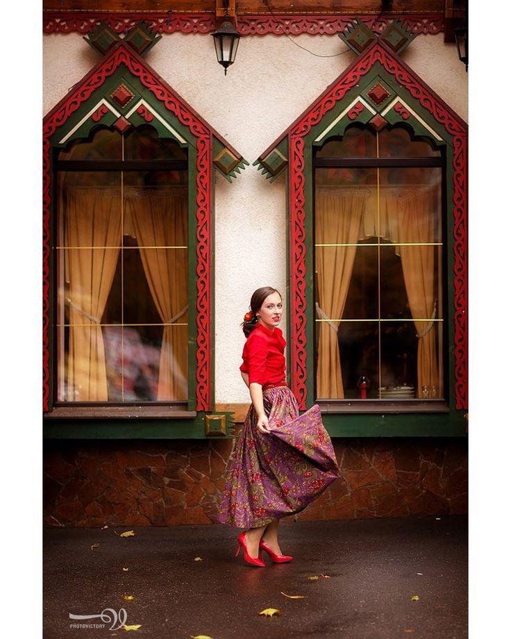 Признайтесь, вы скучали об этой ткани! Яркая, необычная и такая любимая всеми нами! Спешите заказать из неё себе платье или даже юбку такую же как на @lalabaka  За фото спасибо @viktoriyader   #lorklook #lork